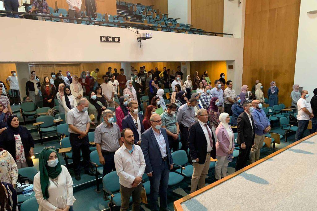 في يومها الثاني: جامعة القدس تحتفل باستقبال طلبة كليتي المهن الصحية والصحة العامة